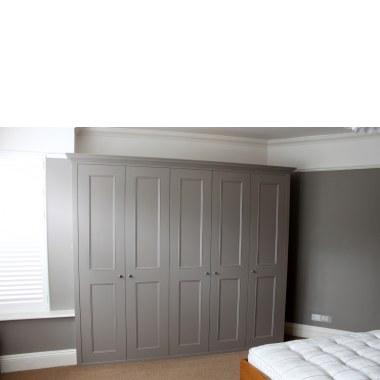 Фото распашной шкаф с карзниом
