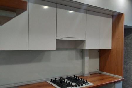 Небольшая компактная и практичная кухня фото