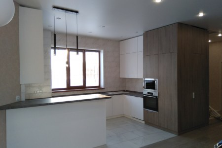 Кухня сложной формы фото