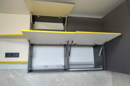 Шкафы с доводчиками фото