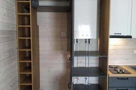 Наполнение полок на кухонном гарнитуре фото