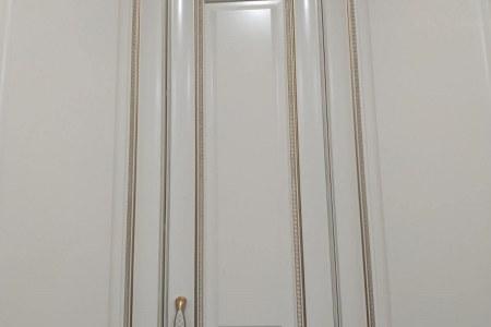 Шкаф с патиной белое золото фото