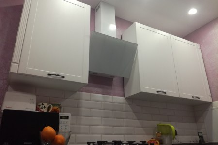 Кухня белая МДФ с фрезеровкой