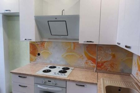 Кухня в стиле Модерн вид сбоку фото