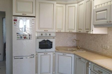 Дорогая белая кухня классика фото