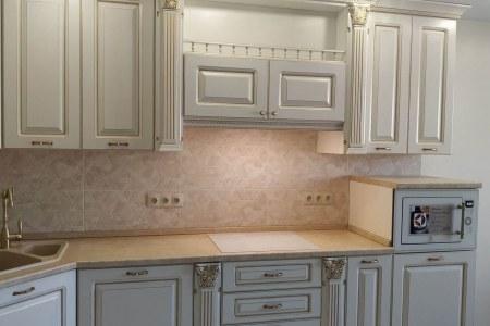 Большая дорогая кухня белого цвета во Владимире фото