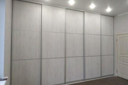 Шкаф-купе во всю стену