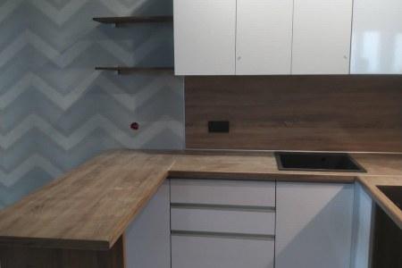 Кухня-студия с барной стойкой фото