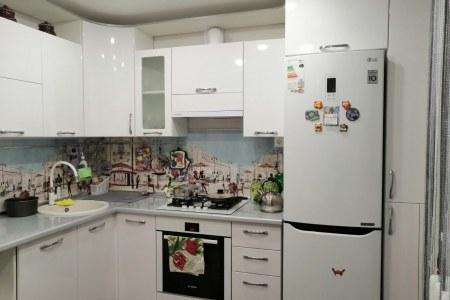 Белая угловая кухня Франц (готовая работа) фото
