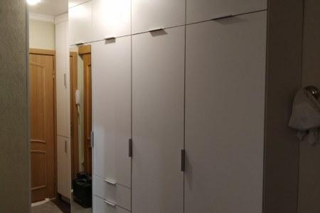 Недорогой шкаф-прихожая