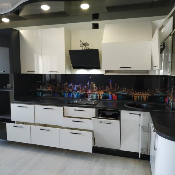 пятиметровая кухня из пластика во Владимире