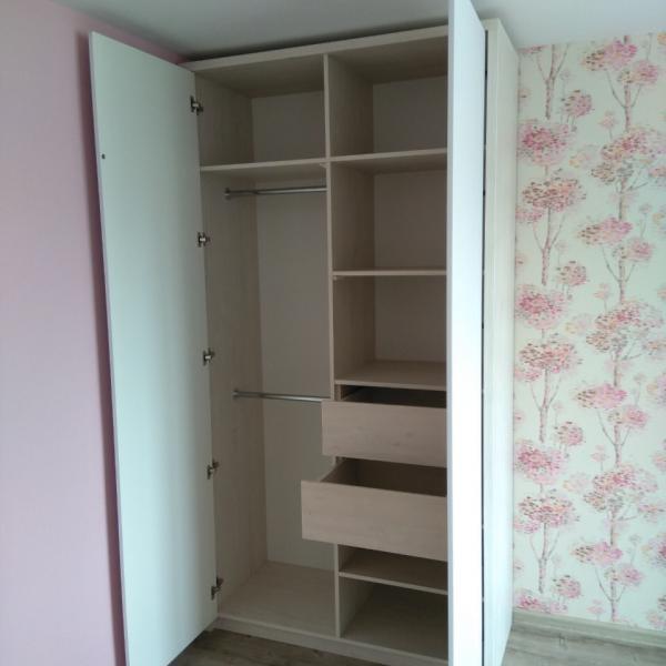 Комплект мебели в детскую комнату - шкаф распашной