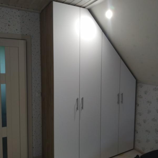 Шкаф-купе в Суздале на мансардном этаже
